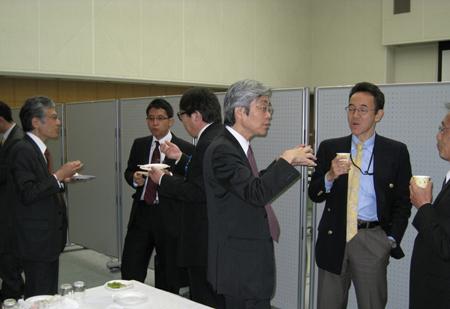 news20100413-05s